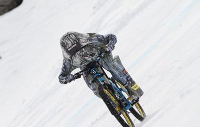 Французький велогонщик встановив новий рекорд, розігнавшись до 223 км/год (ВІДЕО)