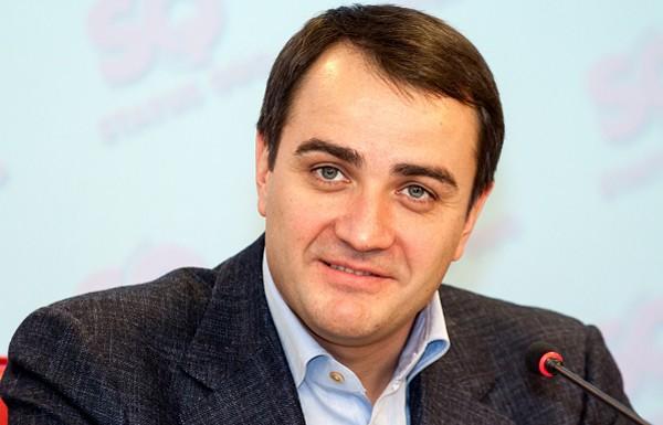 Павелко пообещал трудоустроить в ФФУ своего кума Шевченко