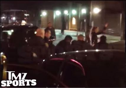 Баскетболисту НБА полиция сломала ногу (видео)