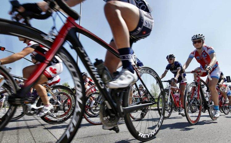 Vuelta_cycle_race-2012