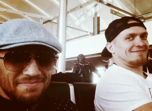 Ломаченко та Усик вдвох повернулись в Україну (ФОТО)