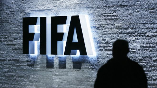 """""""Розкололися"""": чиновники ФІФА почали масово визнаватися в корупції"""