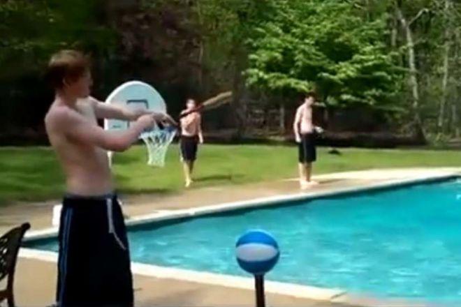 Потрясающие баскетбольные трюки разрывают соцсети (ВИДЕО)