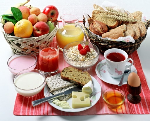 Фітнес-тренер назвала 10 правил сніданку, які допоможуть худнути весь день