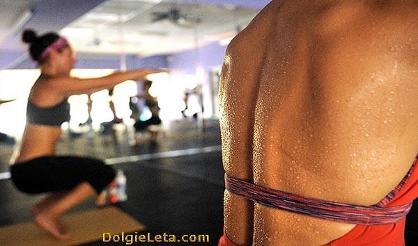 Бікрам-йога: тренування при 40-градусній спеці