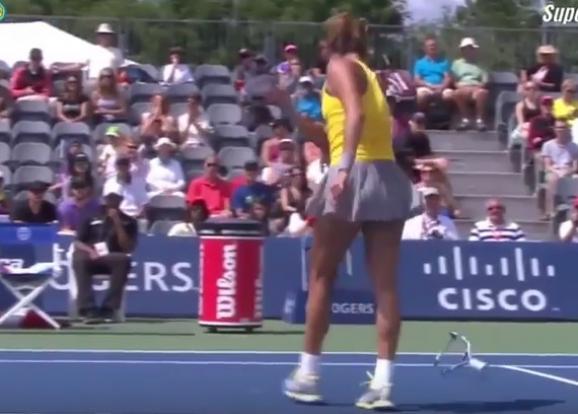 Как украинка привела топ-теннисистку в бешенство и та сломала ракетку (видео)