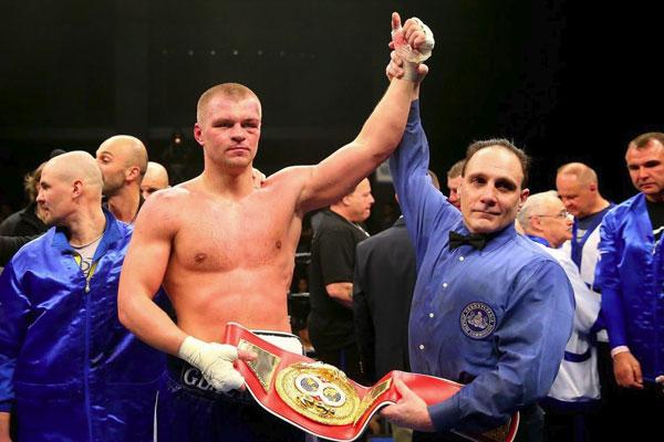 Украинец отказался драться с чемпионом мира