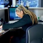 Как накачать пресс прямо на рабочем месте: простые упражнения