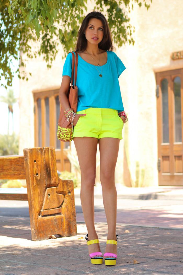 Красивые девушки фото в мини шортах
