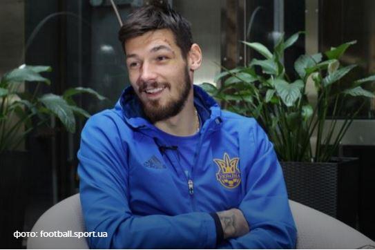 Голкіпер збірної вирішив спілкуватися лише українською (відео)