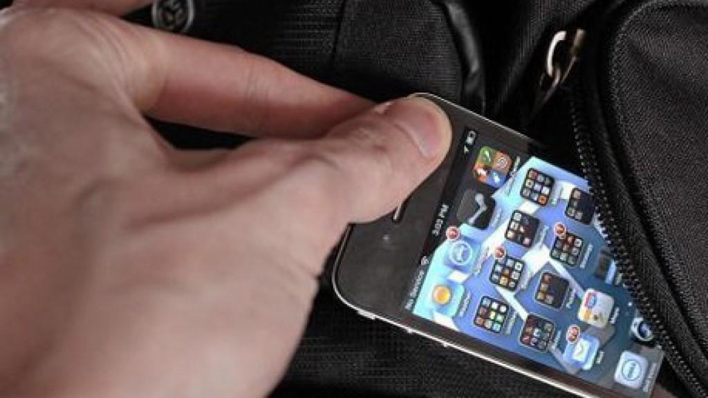 Кишеньковий злодій повернув телефон власнику, коли прочитав це повідомлення …