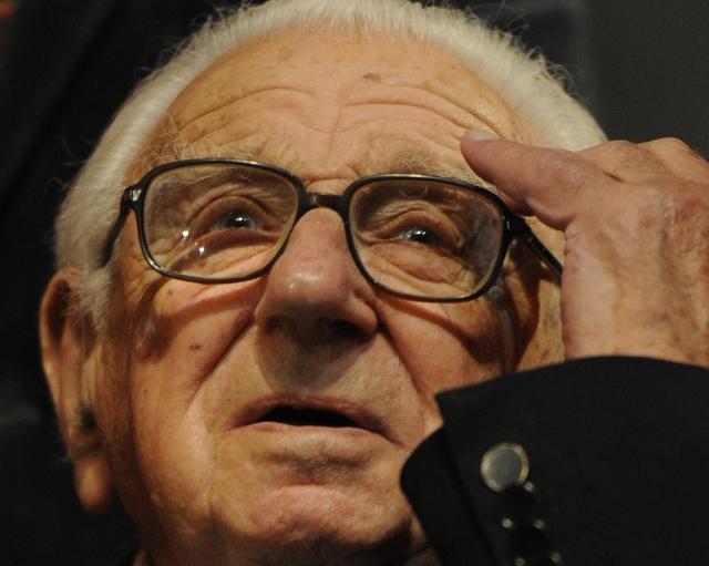 Он спас 669 детей во время Холокоста. Вот как они його отблагодарили