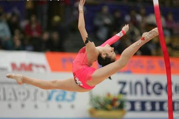 """""""Величезні баули"""": відома гімнастка розповіла про допомогу росіян українським біженцям"""