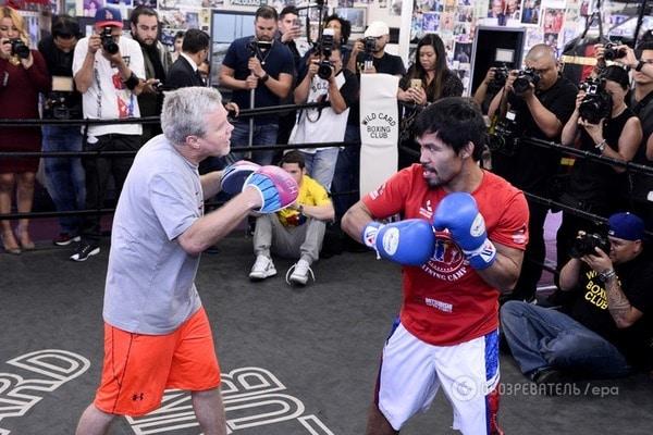 У США скоєно напад на одного з кращих боксерів світу