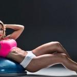 Відома чемпіонка бікіні опозорилась жахливим зовнішнім виглядом без макіяжу