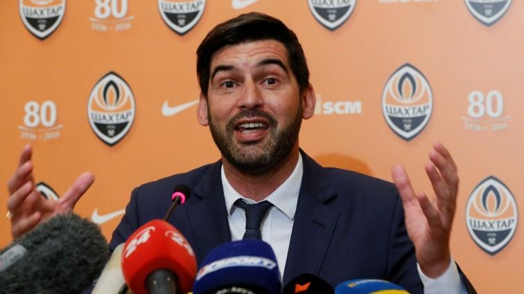 Український тренер керує командою по телефону в Азербайджані