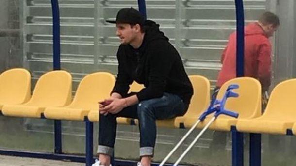 Денису Олійнику прооперували коліно