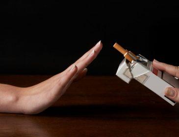 Навіть не подумав би: медики назвали найпростіший спосіб відмовитися від куріння