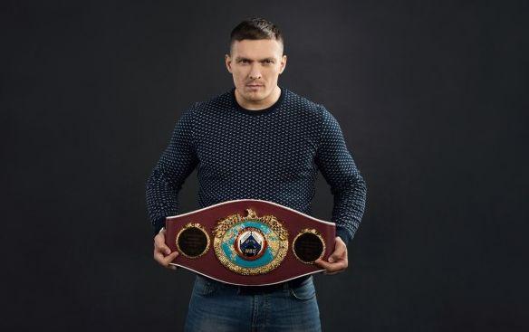 Усик запропонував бій британському боксеру