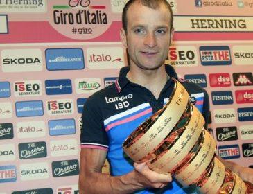"""Знаменитий велогонщик Мікеле Скарпоні буде похований в формі """"Астани"""""""