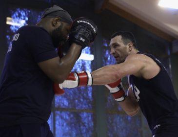 Віталій Кличко: У жодного боксера немає такої техніки і досвіду, як у Володимира