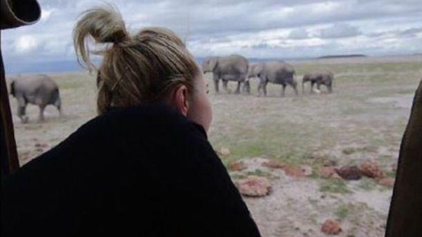 Наречена Володимира Кличка вирушила в Африку рятувати слонів
