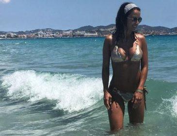 """""""Sexy mama"""": дружина екс-гравця збірної України похвалилася формами на пляжі"""
