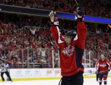 НХЛ: Вашингтон перепідписав контракт з одним зі своїх лідерів