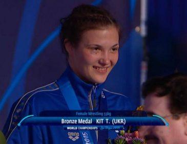 """Українка завоювала """"золото"""" на змаганнях по боротьбі в Варшаві"""