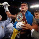 Український чемпіон Усик переконаний, що Мейвезер поб'є Макгрегора