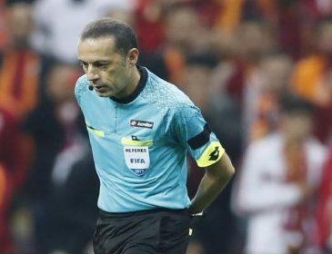Турецькі вболівальники закидали суддю сторонніми предметами під час матчу