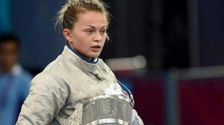 Вагітна українська фехтувальниця похизувалася пікантними світлинами