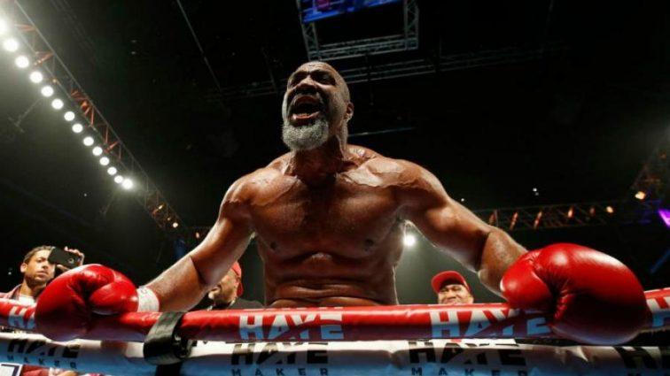 За копійки: пришелепкуватий боксер погрожує побити боягузливого Ф'юрі