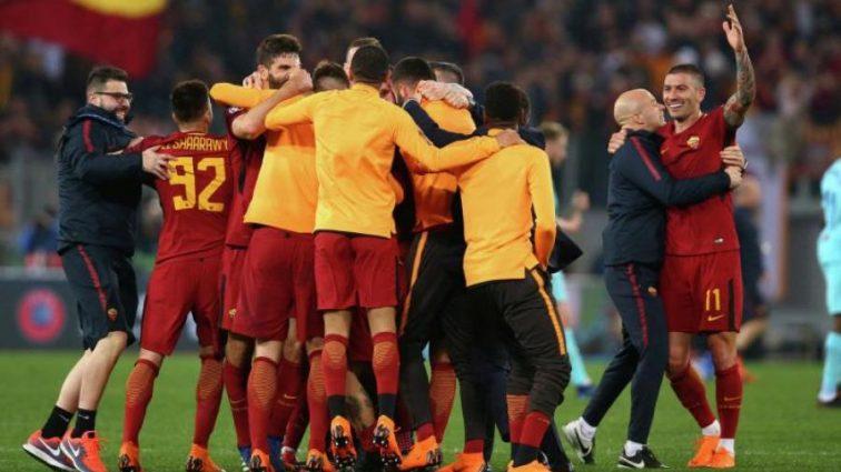 Розгромлена роздягальня і президент у фонтані: як Рома святкувала перемогу над Барселоною