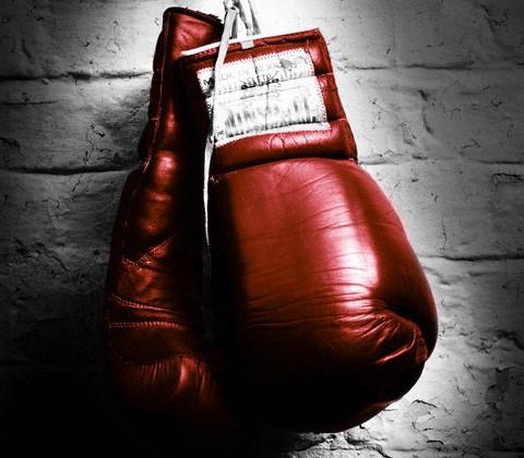Неймовірний нокаут: укаїнський боксер переміг у професіонала