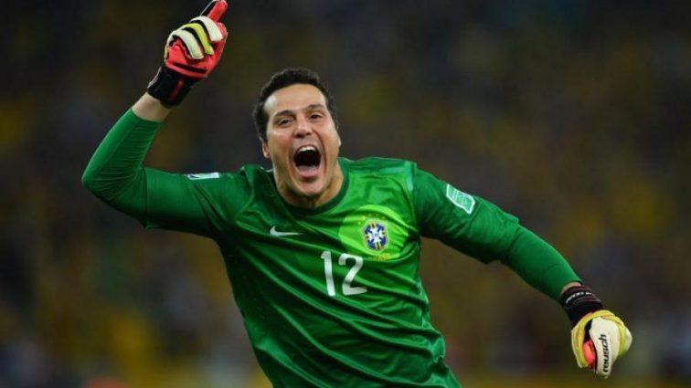 Легендарний бразилець завершив кар'єру на найбільшому стадіоні світу