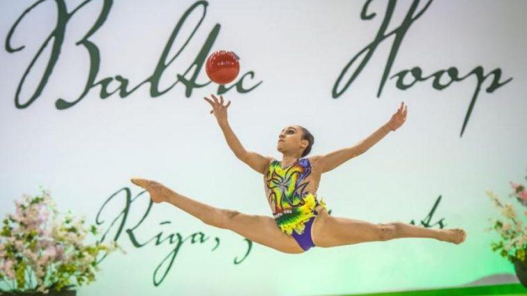 Юна українська гімнастка блискуче виступила в Баку
