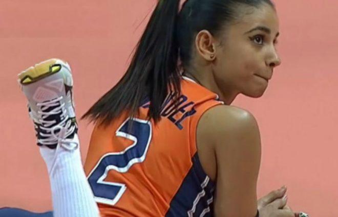 Волейболістка стала зіркою Мережі завдяки своїм стегнам (Відео)