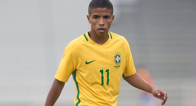 """Бразильський футболіст відмовив """"Барсі"""" на користь """"Шахтаря"""""""