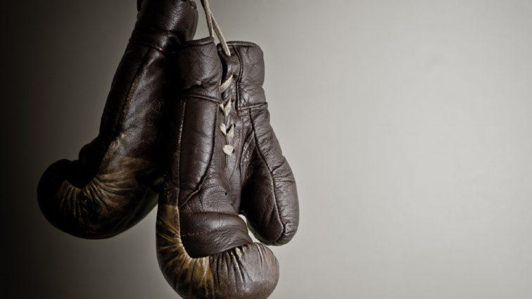 Чемпіон світу з боксу потрапив в жахливе ДТП