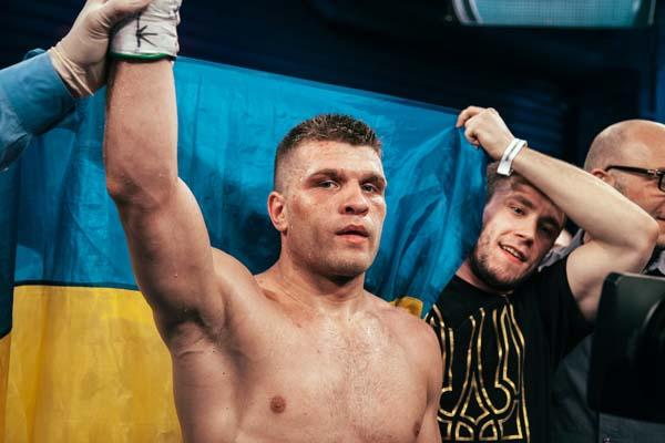 Дерев'янченко і Головкін в результаті довготривалих переговорів домовились про бій