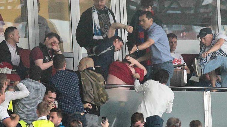 Експерт висловився про побиття іноземних футбольних фанатів. Його заява схвилювала Мережу