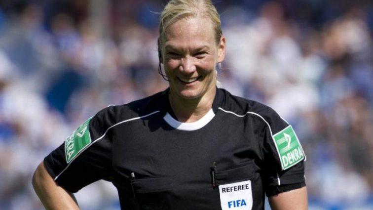 Матч Баварії спричинив скандал через жінку-арбітра