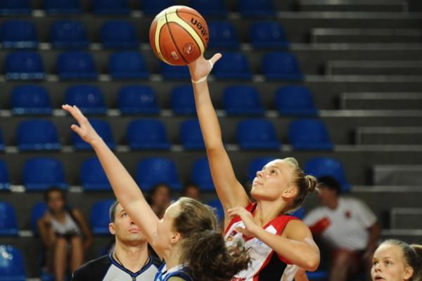 Українські баскетболістки борються за місце в чемпіонаті Європи