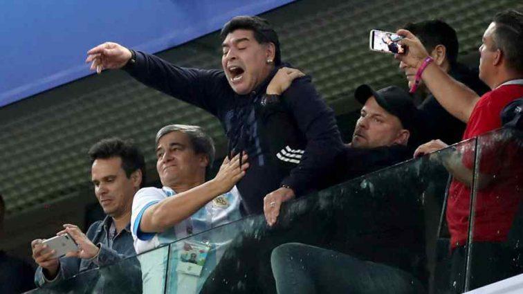 """Відомий футбольний тренер знову попадає у """"п`яний"""" скандал"""