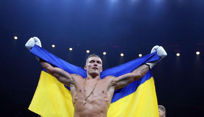 """""""Усик – справжній мужик"""": росіяни емоційно підтримали українського боксера"""