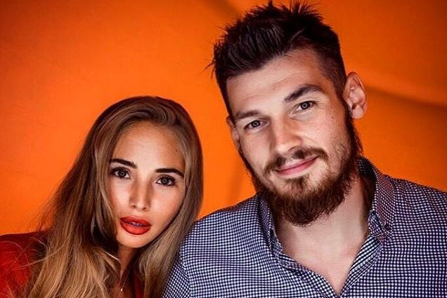 """Нещодавно дружина одного з найкращих гравців клубу """"Динамо"""" поділилася пікантним фото в нижній білизні"""