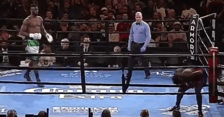 Американський боксер втік з рингу на першій секунді бою