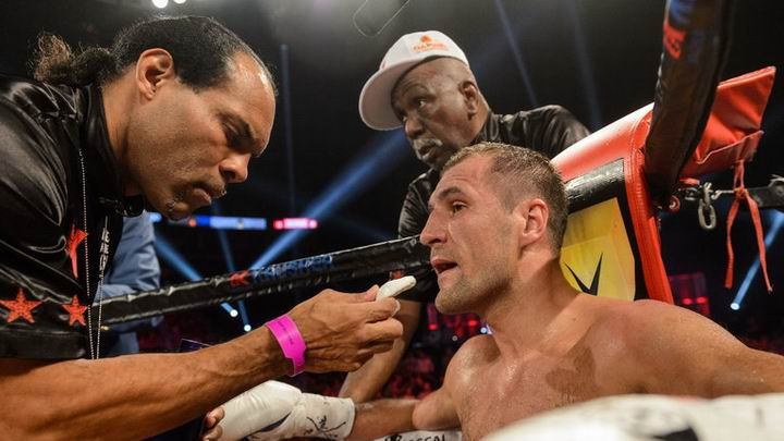 Російський боксер втратив звання чемпіона світу за версією WBO