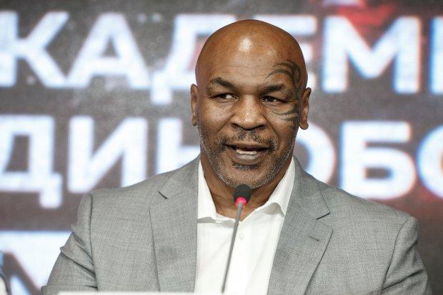 """""""Він володіє неперевершеним стилем"""": На прес-конференції в Росії Тайсон сказав, що найкращим боксером світу є українець"""